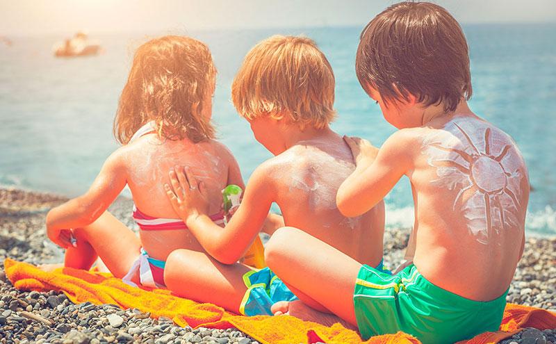 toda criança precisa de protetor solar