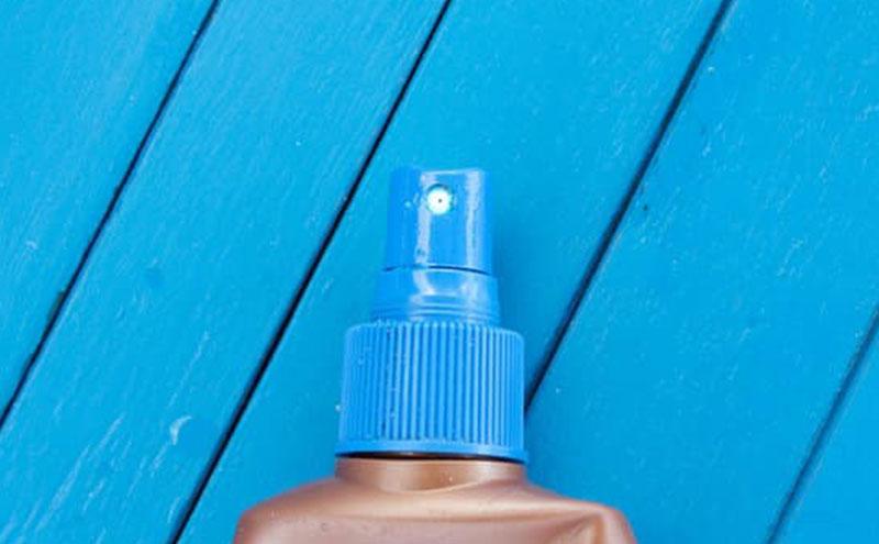 protetor solar facial em spray ou gel